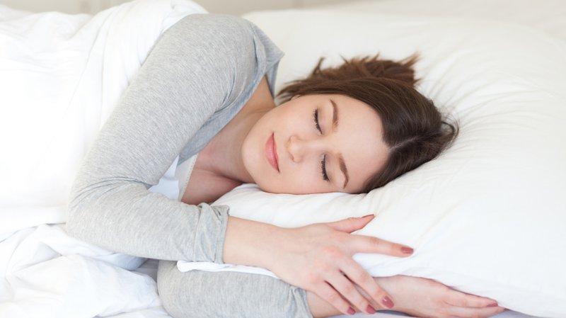 Ngủ đủ giấc và tập thể dục thường xuyên