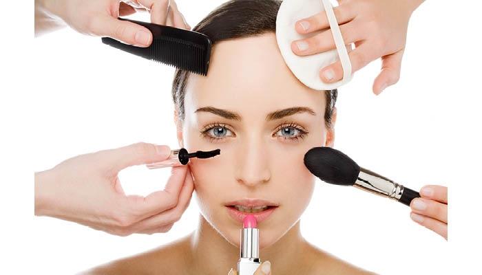 Sử dụng mỹ phẩm chất lượng và đúng cách là điều quan trọng để giữ một làn da mịn màng và khỏe mạnh.