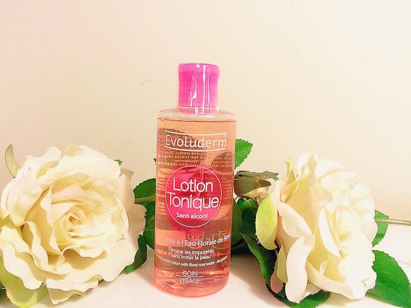 Sử dụng những loại nước hoa hồng không chứa cồn.