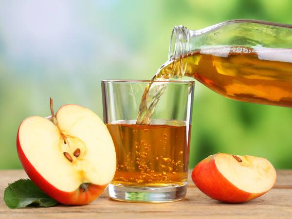 Sử dụng nước giấm táo.