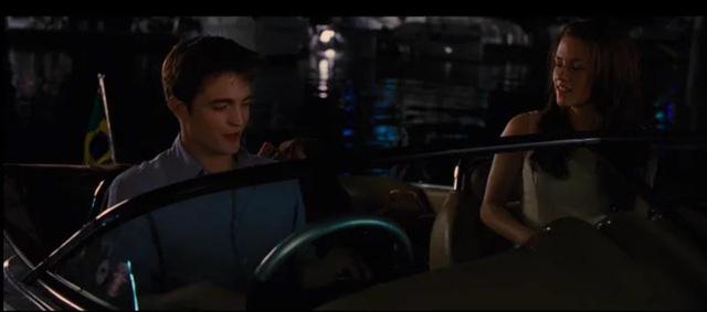 Sau khi học lái xe, Robert học luôn cả lái ... ca-nô