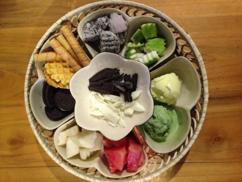 Lẩu kem mùa đồng - món mới của quán