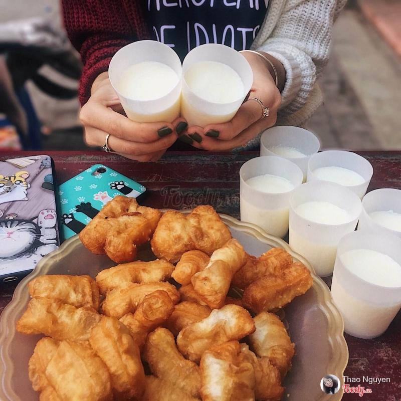 Sữa chua - Quẩy đùi gà
