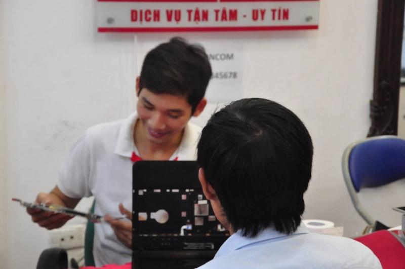 Dịch vụ sửa chữa laptop của HNCOM