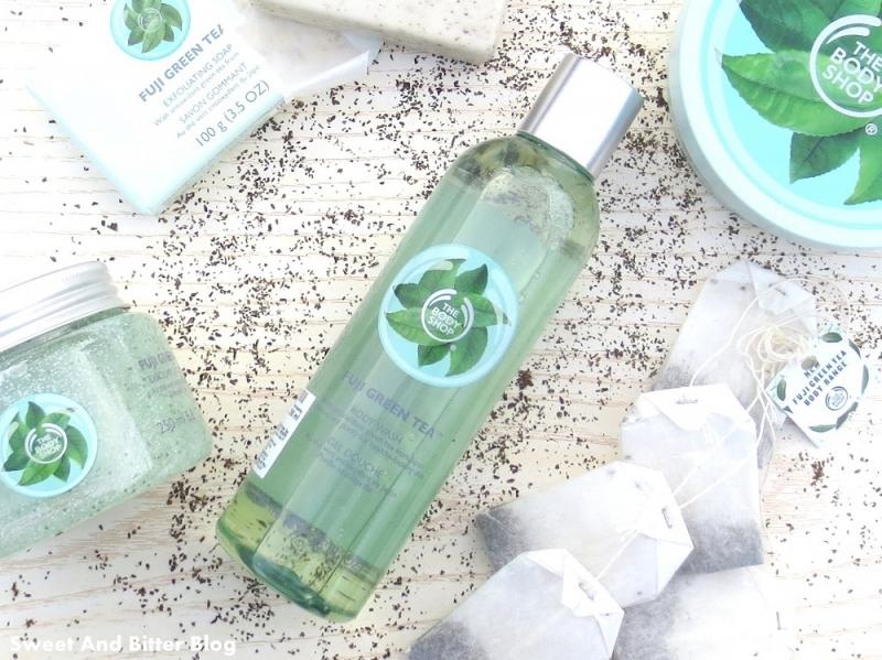 Sữa tắm The Body Shop dòng Fuji Green Tea (299.000 VNĐ/chai 250ml)