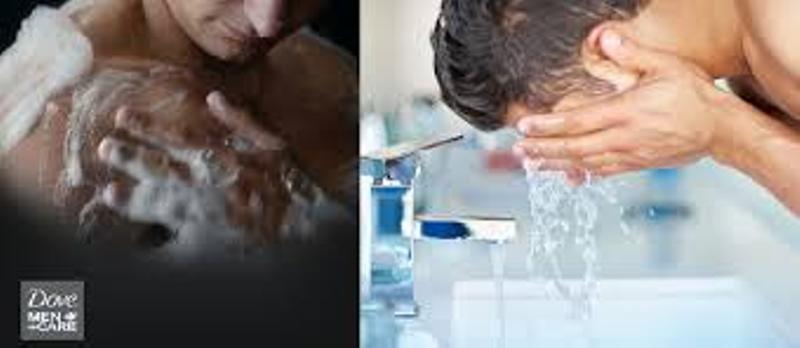 Sữa rửa mặt kết hợp sữa tắm cho nam Dove Men Care Extra Fresh Body and Face Wash với công nghệ MicroMoisture, giúp nuôi dưỡng cho da khỏe hơn, dưỡng ẩm, chống khô và không gây kích ứng da.