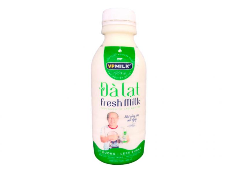 Sữa tươi thanh trùng ít đường VPMilk Đà Lạt Fresh Milk chai 450ml