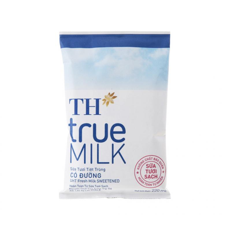 Sữa tươi tiệt trùng TH True Milk có đường dạng túi.