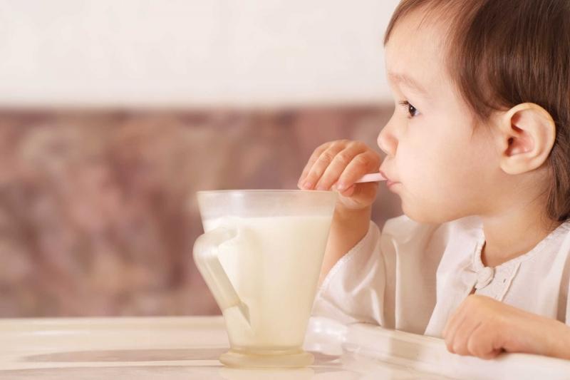 Tiền sữa uống cho bé