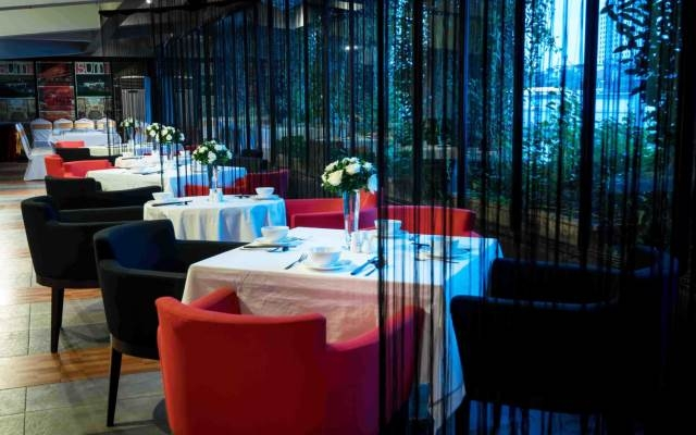 Không gian sang trọng, tinh tế của nhà hàng Sum Villa
