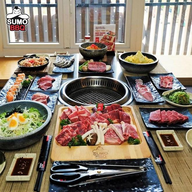 Bữa tiệc nướng lẩu Sumo BBQ Buffet với menu vô cùng phong phú với hàng trăm món ăn đặc sắc đậm vị Nhật Bản.
