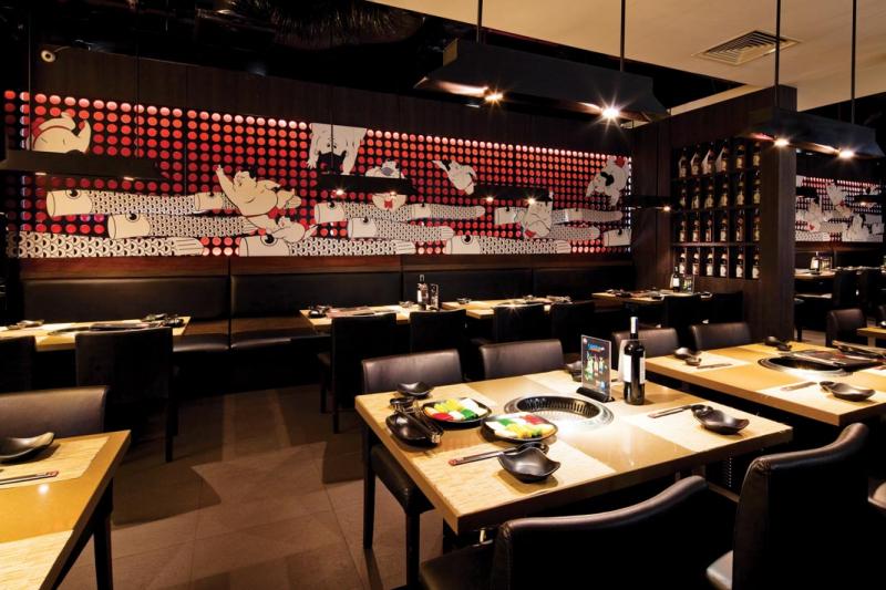 Không gian nhà hàng rất sang trọng và tinh tế