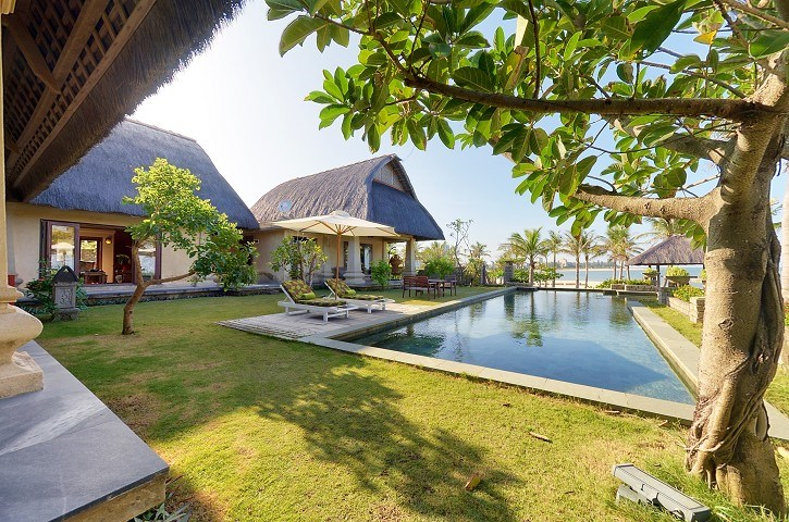 Hồ bơi tại Sun Spa Resort
