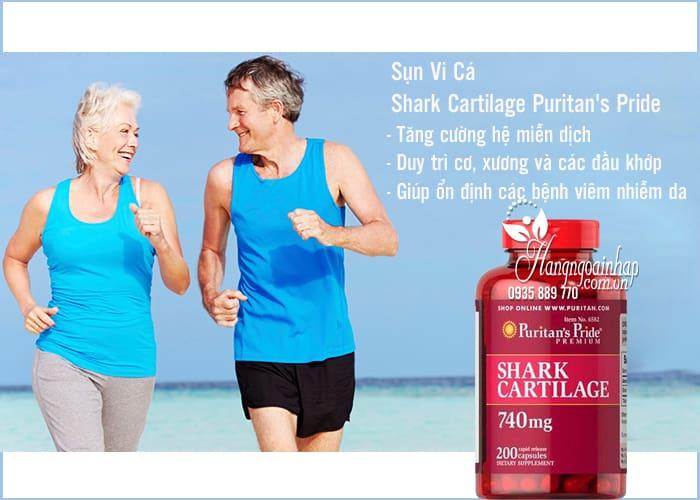 Sụn vi cá mập Shark Cartilage Puritan's Pride 740mg được điều chế từ sụn cá mập tự nhiên, trên quy trình hiện đại loại bỏ các chất độc hại, kim loại nặng, giúp viên tinh khiết, mang nguồn dưỡng chất cao