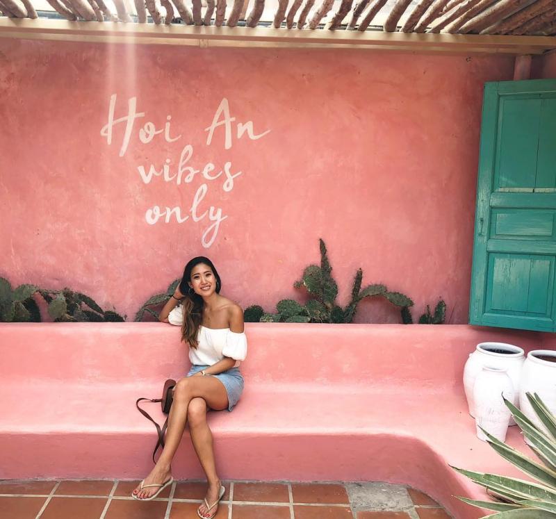 Bức tường hồng tại Sunday in Hoi An