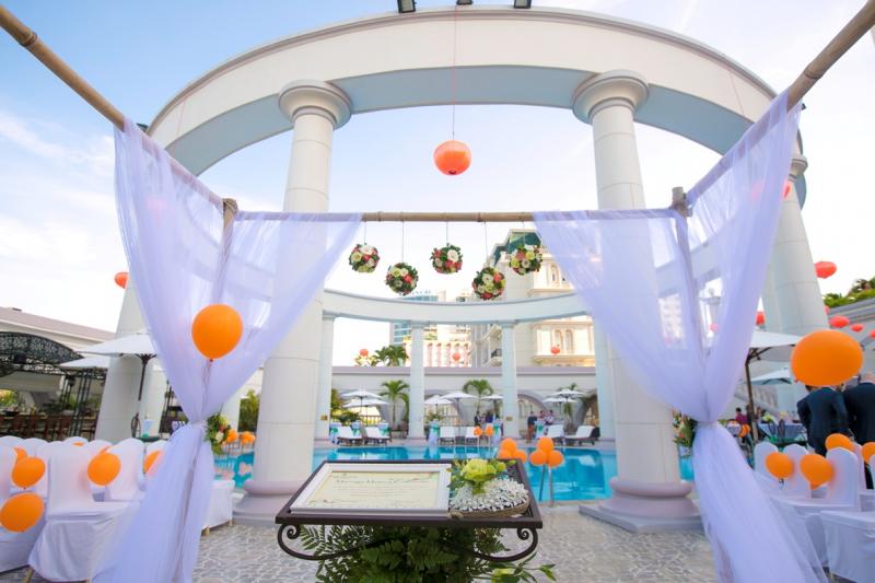 Đám cưới tại hồ bơi La Mã tại Sunrise Nha Trang