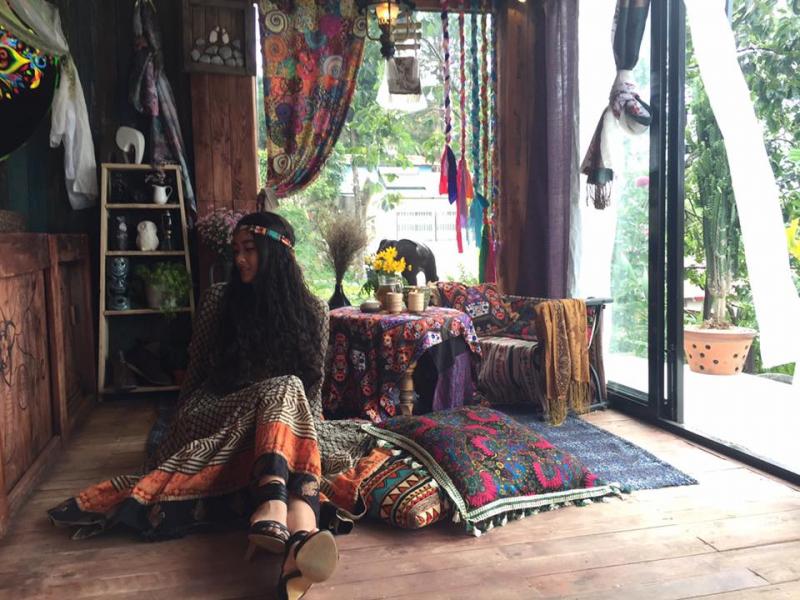 Không gian nhỏ xinh vintage của quán