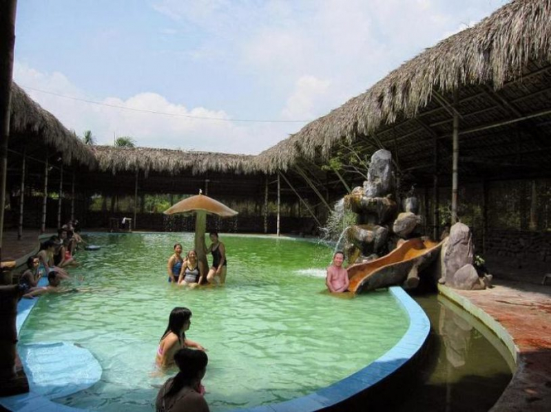 Hot mineral bath - Quang Hanh hot spring