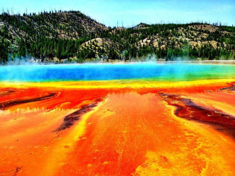 Suối nước nóng Grand Prismatic Spring, Wyoming, Mỹ