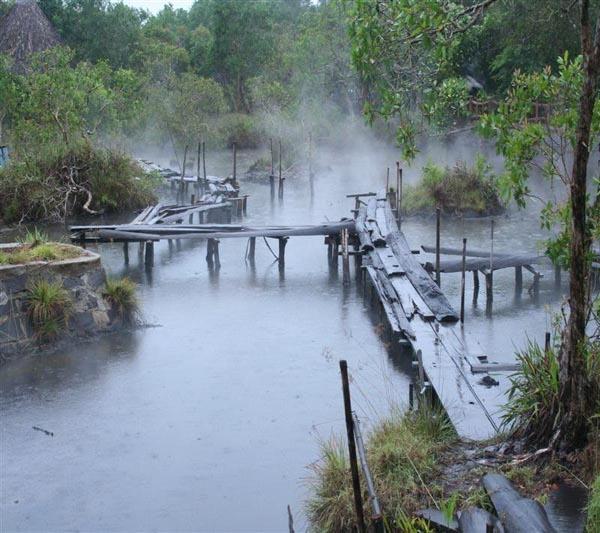 Suối nước nóng Kênh Gà - Điểm du lịch thu hút của Ninh Bình