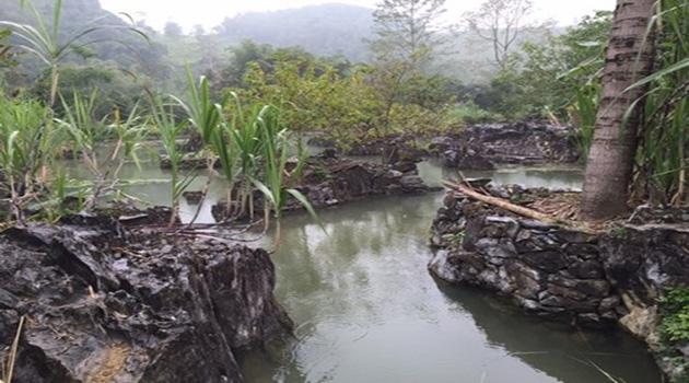 Suối nước nóng ở làng Luống- Thanh Hóa