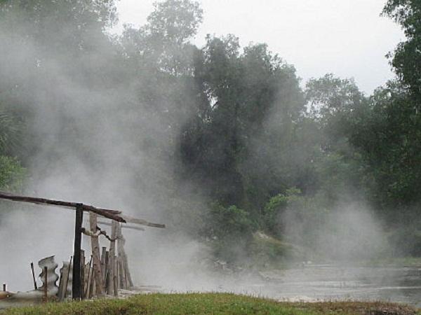 Suối nước nóng Tây Viên (Quảng Nam)