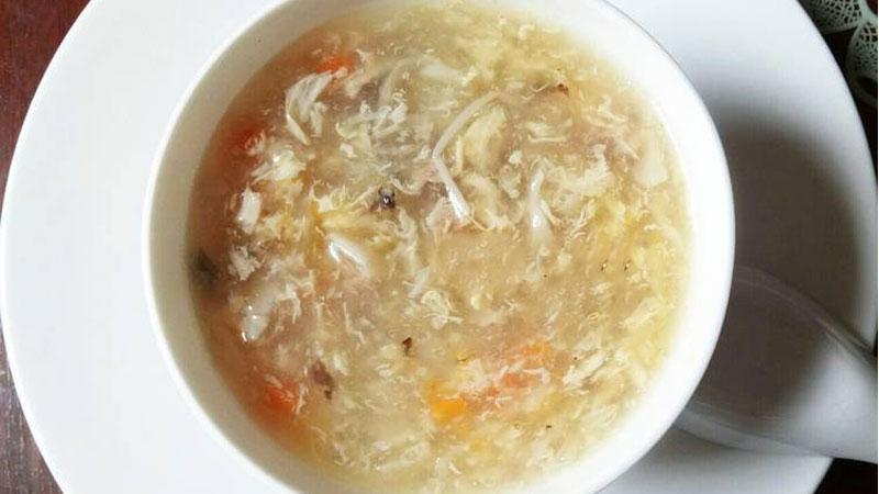 Súp gà nước dừa giò lụa