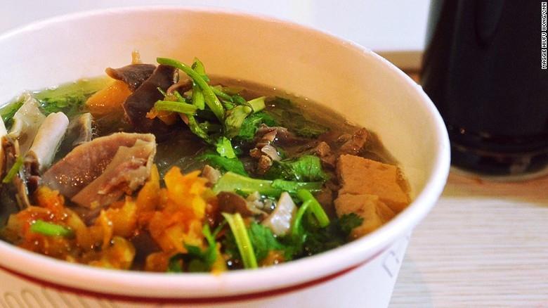 Súp tiết vịt là một món ăn đặc sản nổi tiếng của vùng Nam Kinh