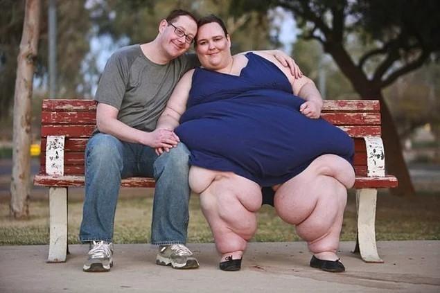 Susanne Eman ăn 30.000 calo một ngày, để trở thành cô dâu của nặng cân nhất trên thế giới.