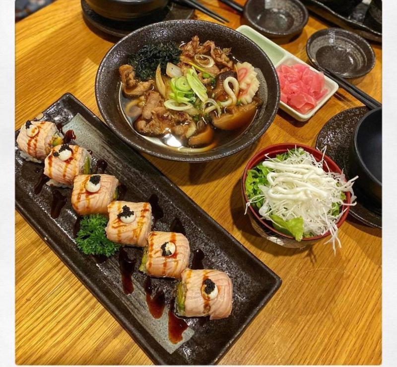 Sushi Ba Con Sóc – Hoa Lan