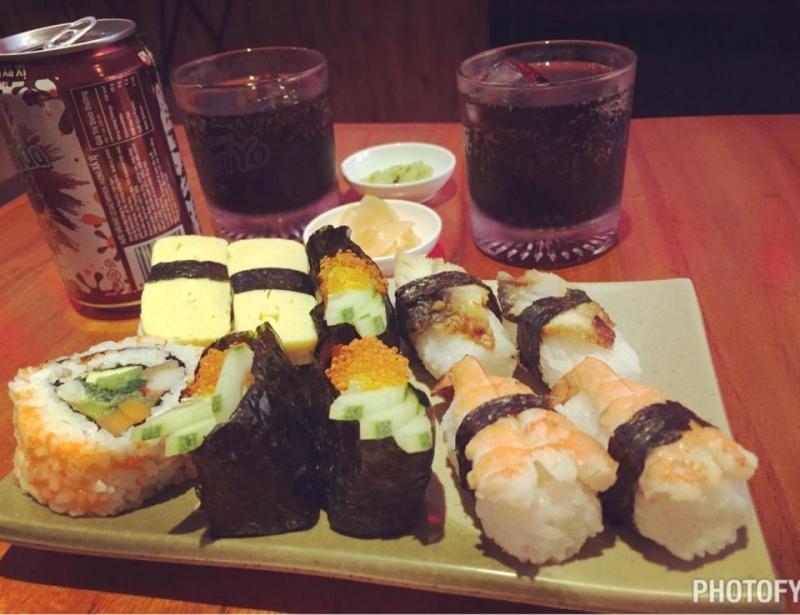 Sushi 2 người ăn