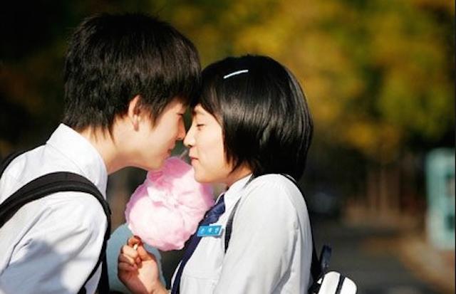 Học sinh cần có sự hiểu biết để không biến tình yêu thành một cuộc phiêu lưu.
