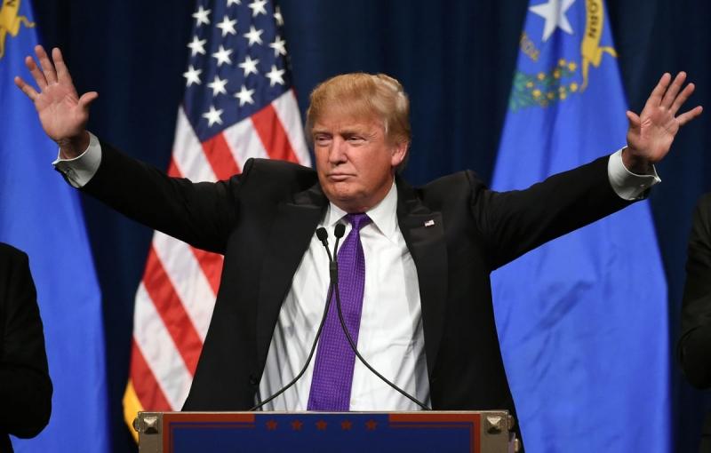 T11/2016: Donald Trump chiến thắng tranh cử tổng thống Mỹ