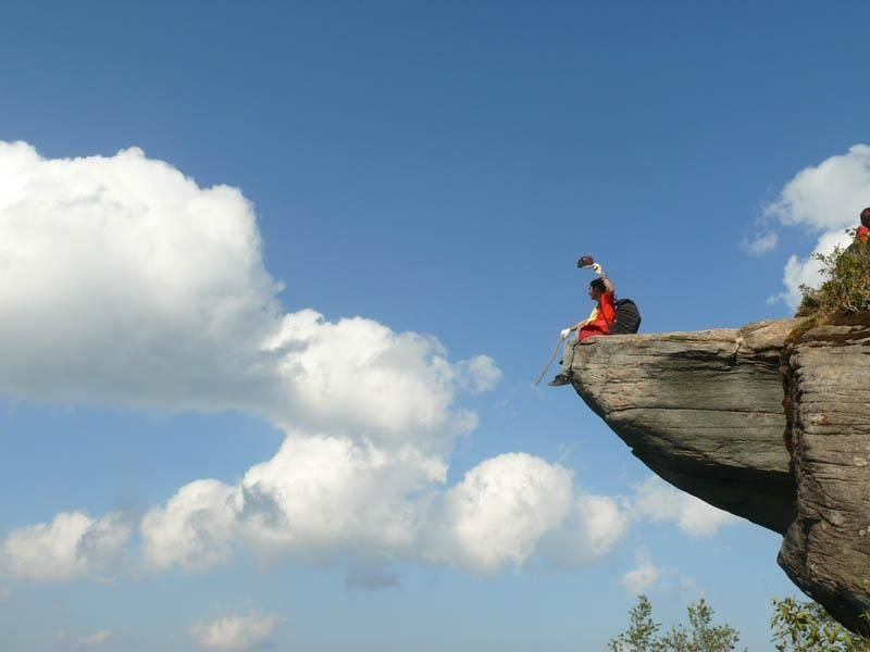 Một biển mây rộng lớn trên đỉnh Tà Xùa