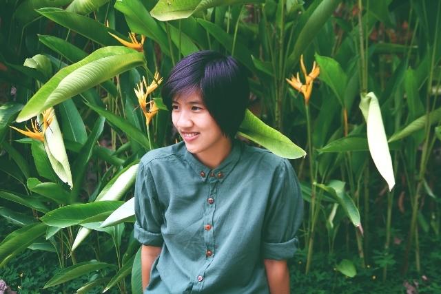 Iris Cao có vẻ ngoài cá tính, mạnh mẽ nhưng vô cùng tình cảm bên trong.