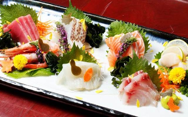 Món ăn được trang trí tinh tế ở Tachibana Japanese Restaurant