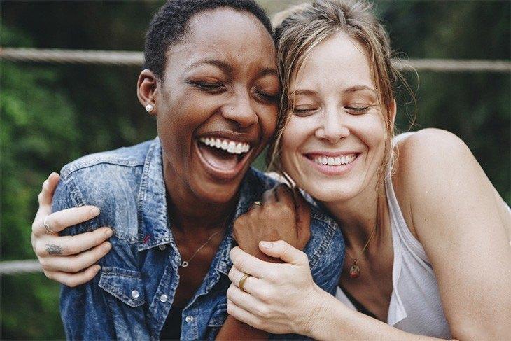Tại sao con người lại cười đến phát khóc?