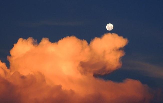 Top 5 Câu hỏi về mặt trăng mà trẻ em hay hỏi nhất và cách trả lời khoa học