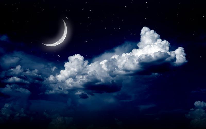 Tại sao con đi đâu cũng thấy mặt trăng, có phải mặt trăng chạy theo con không?