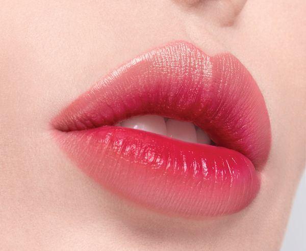Tại sao môi lại màu đỏ?