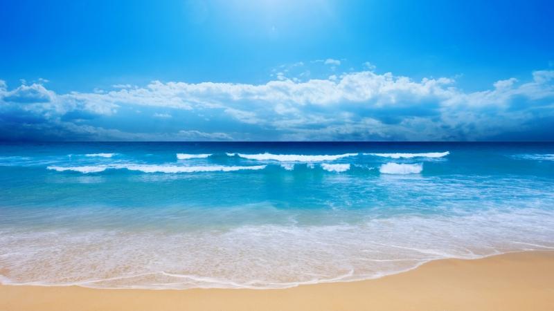 Tại sao nước biển có màu xanh?