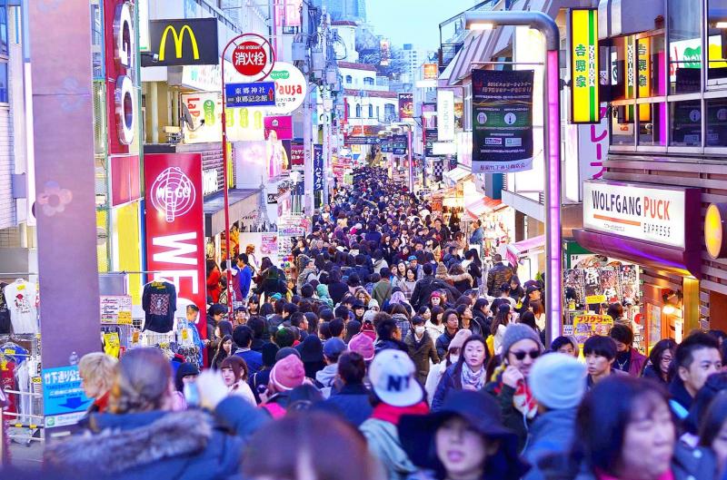 Takeshita-dori là khu mua sắm nổi tiếng của giới trẻ
