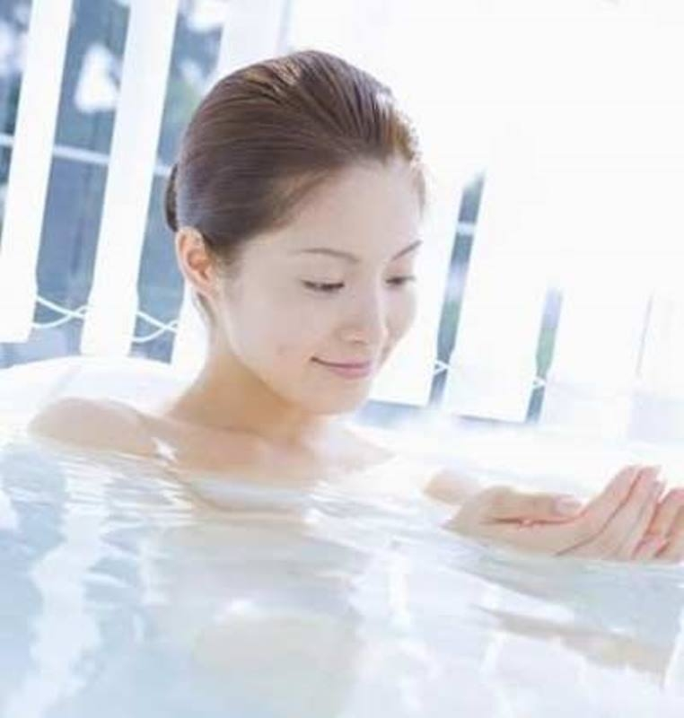 Tắm bằng nước nóng thay vì nước lạnh
