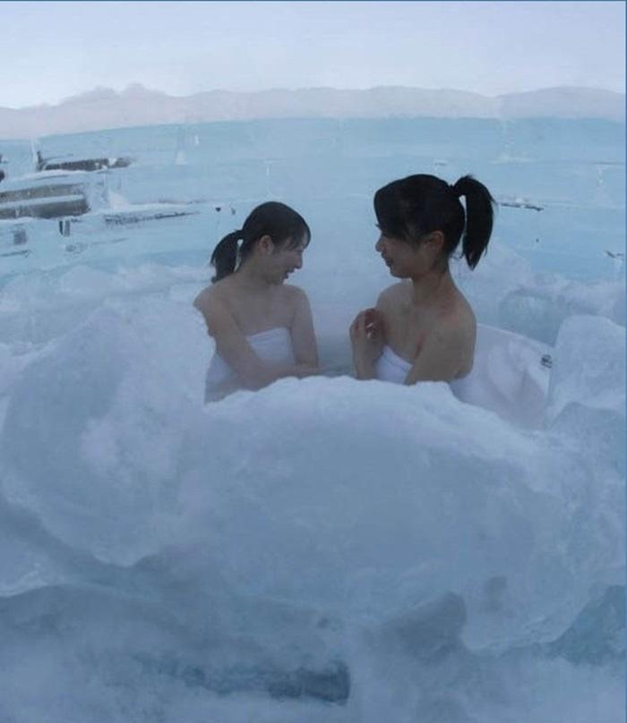Tắm băng ở Nhật