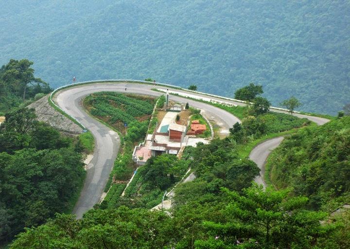Con đường vòng cung đi lên Tam Đảo