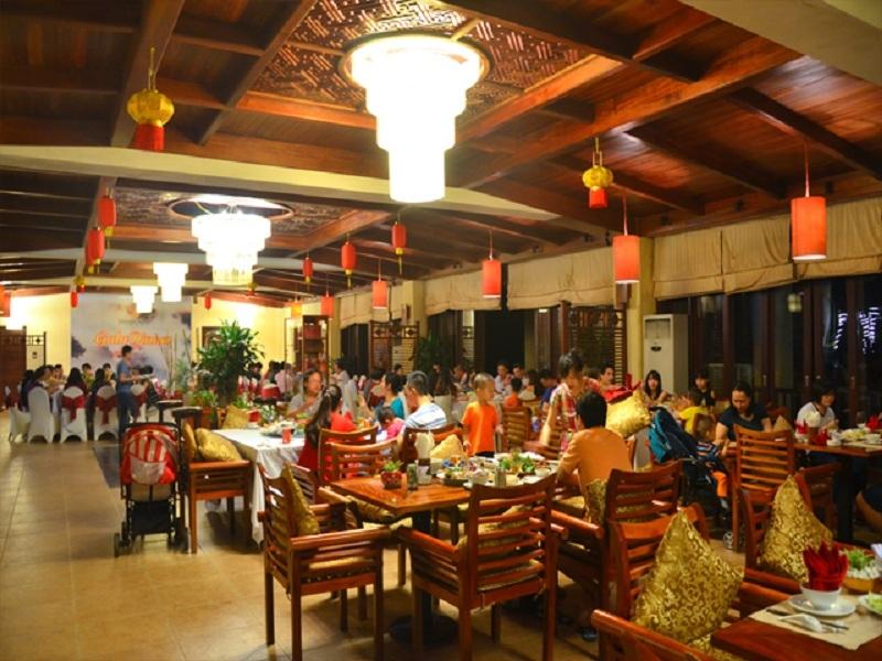 Nhà hàng sang trọng có thể phục vụ 300 thực khách