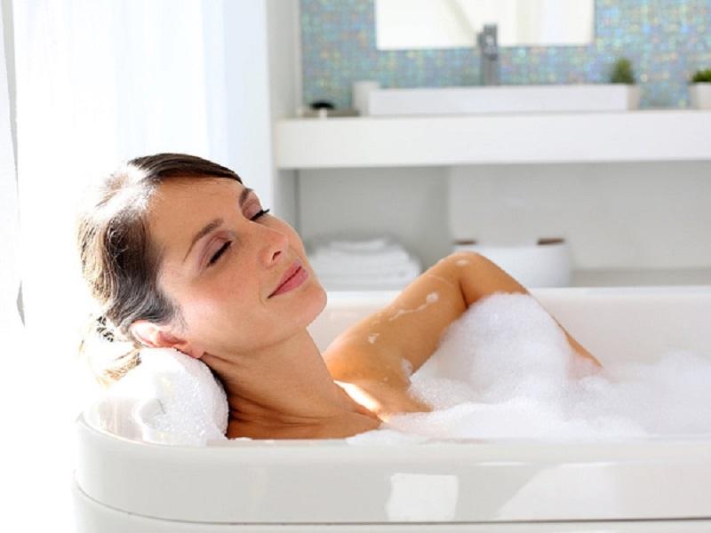 Tắm bằng nước ấm