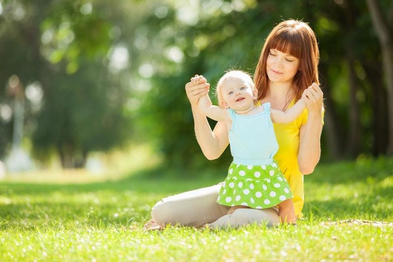 Tắm nắng cho trẻ quá sớm