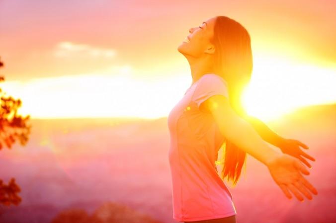Tắm nắng là mẹo giảm cân đơn giản, không tốn sức