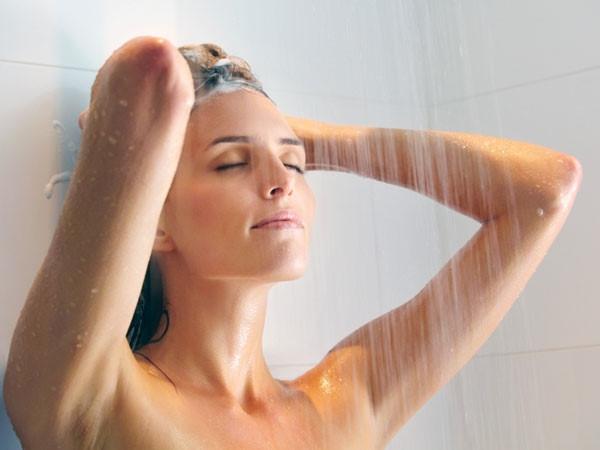 Tắm nước ấm là phương pháp hữu hiệu giúp cơ thể có được giấc ngủ thoải mái hơn
